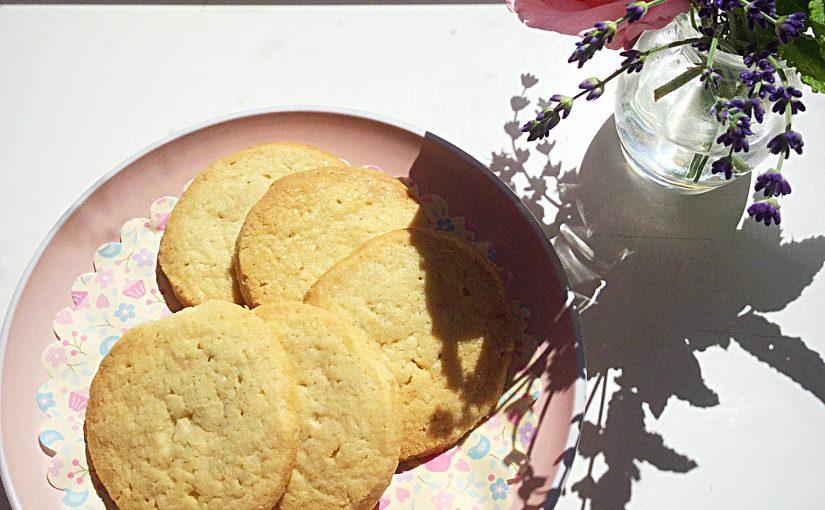 Super Easy Shortbread Cookies.