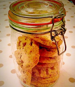 Almond and Cranberry Cookies - delish xxx