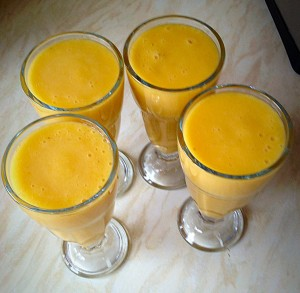 A healthy, filling, sunshine Smoothie.