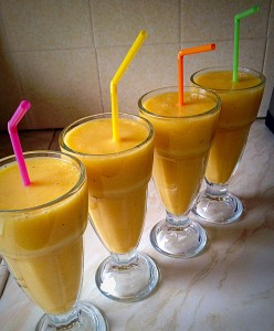 Easy, quick Peach and Banana Smoothies - delish x