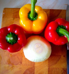 Ooh so pretty. Choose whichever colour peppers are your favourite and...