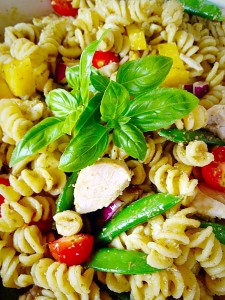Chicken Pasta Pesto Salad - perfect for mid-week mealtimes!