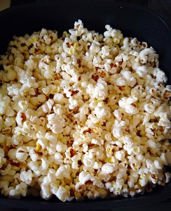Vanilla Sugar Popcorn - remove the lid when the popping has almost stopped.