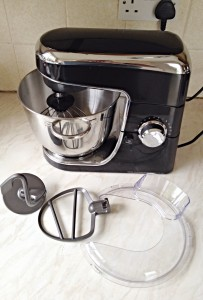 Wilko Freestanding Mixer - comes with a whisk, beater, dough hook and splatter guard.