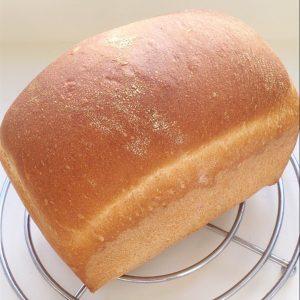 Farmhouse style white bread loaf.