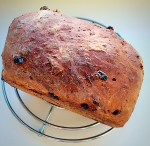 Spiced Fruit Loaf www.feastingisfun.com