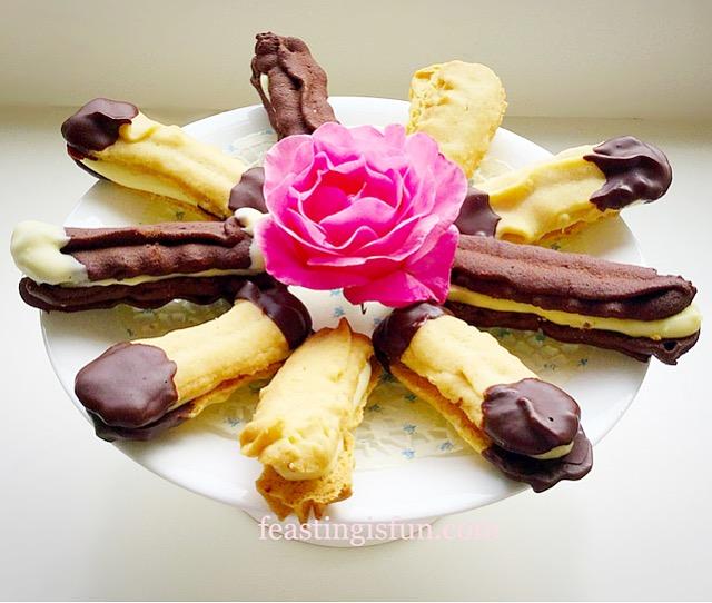 FF White Chocolate Ganache Filled Viennese Sandwich Biscuits
