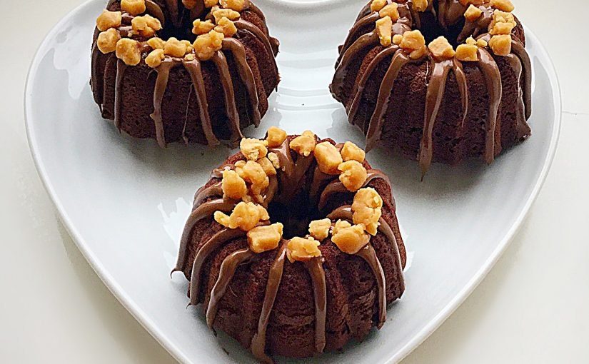 Mini Chocolate Fudge Bundt Cakes