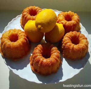 FF Red Velvet Mini Tiered Heart Cakes