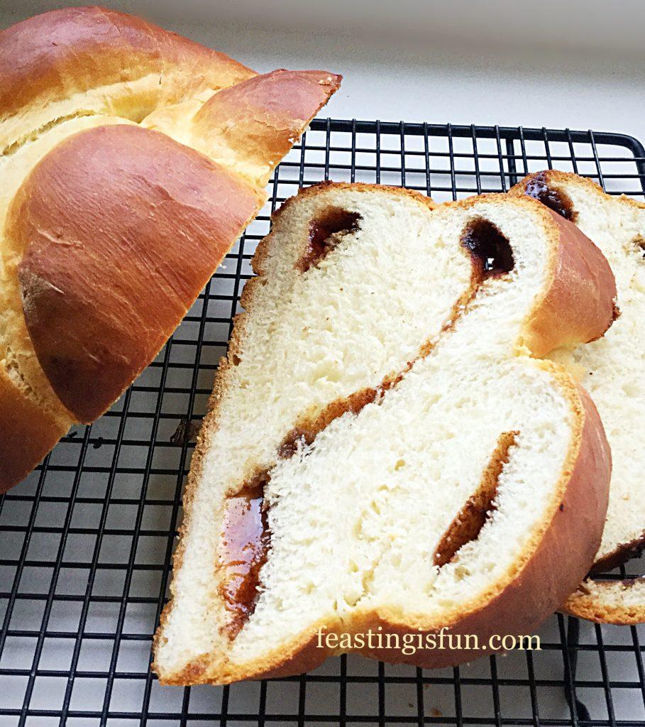 FF Cinnamon Plaited Brioche Bread