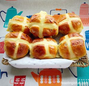FF Extra Fruity Hot Cross Buns
