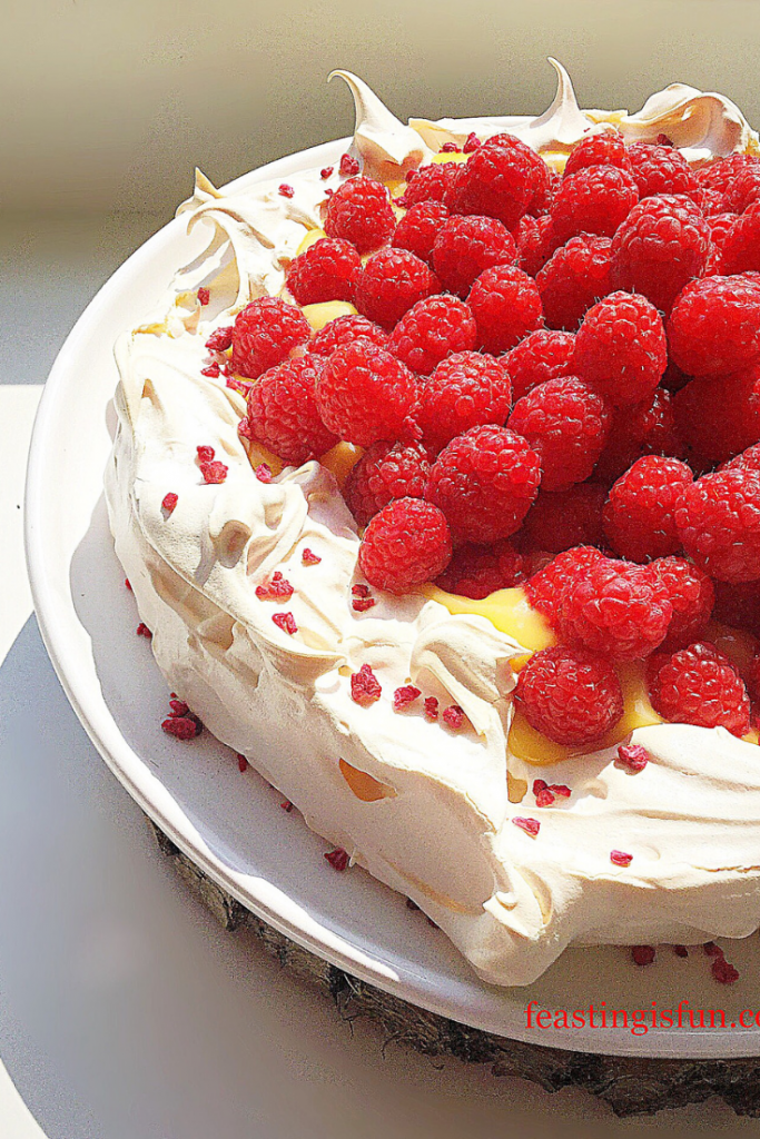 FF Meringue With Lemon Curd And Raspberries